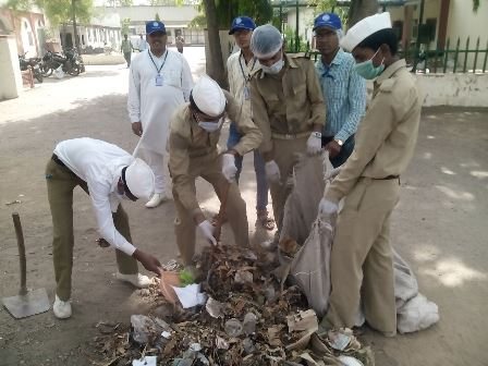 NIRANKARI DEVOTEES CLEAN JAIPUR RAILWAY STATIONS
