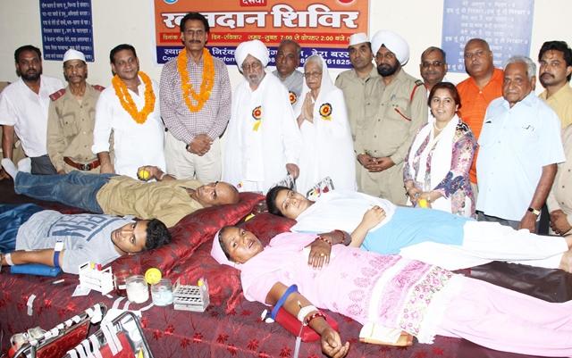 437 NIRANKARI DEVOTEES DONATE BLOOD AT DERABASSI IN PUNJAB