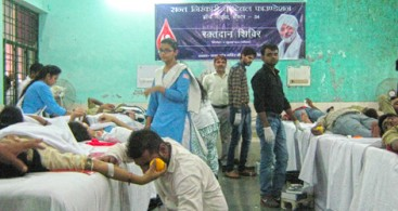 211 NIRANKARI VOLUNTEERS DONATE THEIR BLOOD IN NOIDA