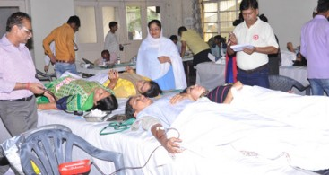 214 NIRANKARI DEVOTEES DONATE BLOOD IN GURGAON